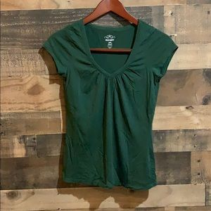 ⭐️3/$20 Old Navy Green V Neck Short Sleeve Shirt